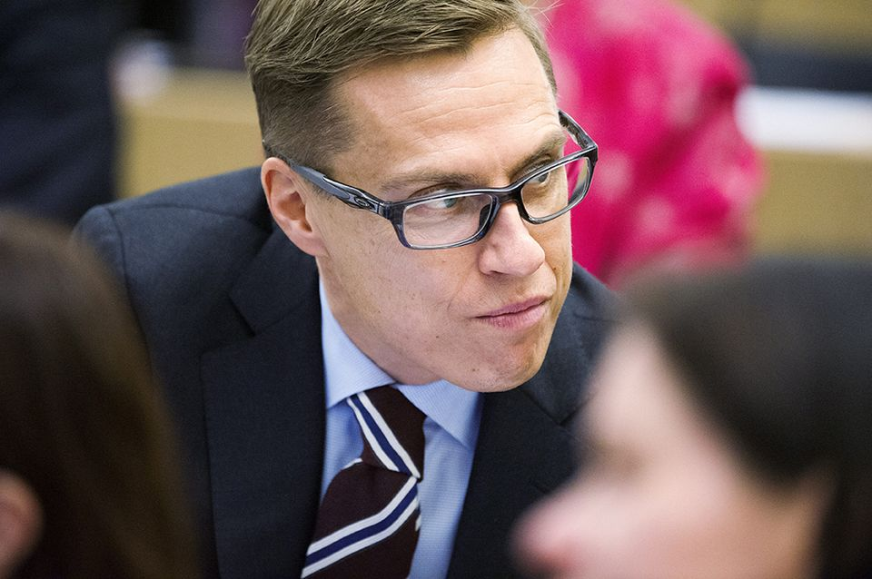 Finance Minister flubs figures on investment regulation, opposition questions his credibility ...