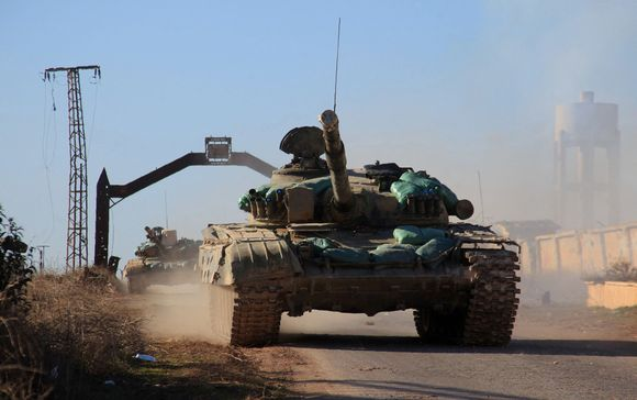 Syyrian hallituksen panssarivaunuja Tal Jabinin kylässä Aleppon pohjoispuolella 3. helmikuuta.