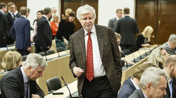 Kansanedustaja Erkki Tuomioja (SDP) eduskunnan täysistunnossa 16. helmikuuta 2016.