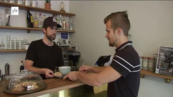 Video: Hello Darling Eatery owner Sam Ashcroft (on left) serves ResQ Club CEO Tuure Parkkinen a bowl of soup.