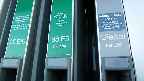 Huoltoasemalta on saatavilla arktista dieseliä talvikeleille.