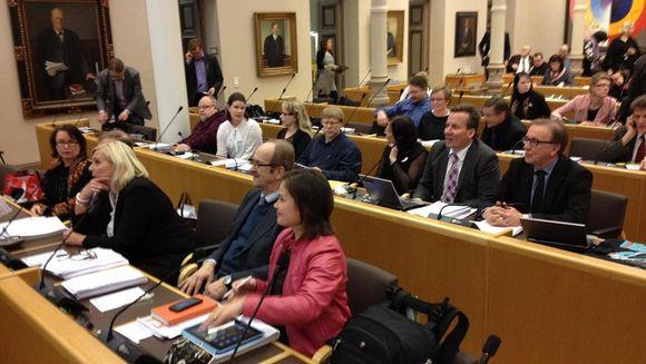 Oulun kaupunginvaltuuston kokous 11.11.2012