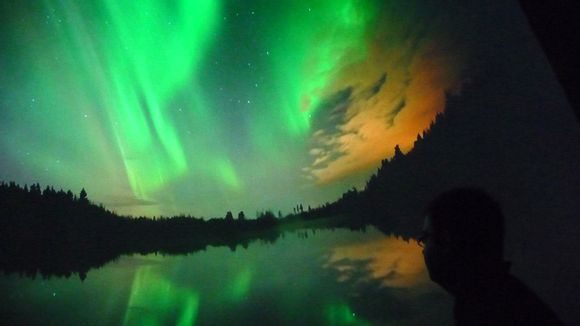 Time lapse images reveal fiery northern lights over oulu yle uutiset - Laat kast ...