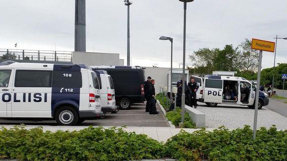 Ouluun on tullut paljon poliiseja tukholmalaisen AIK:n ja Vaasan Palloseuran välisen ottelun takia.