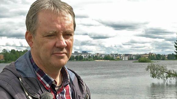 Oululainen pienyrittäjä Raimo Rautiola haluaa haastaa puheenjohtaja Timo Soinin perusuomalaisten puoluekokouksessa Turussa elokuussa 2015.