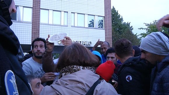 Protesters in front of the police building in Oulu.