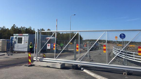 Fennovoima aitasi ja sulki Hanhikivenniemen ydinvoimalatyömaan alkusyksystä 2015.
