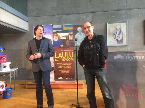 Oulun kaupunginteatterin taiteellinen johtaja Kari-Pekka Toivonen ja näyttelijä-kirjalija Pekka Huotari