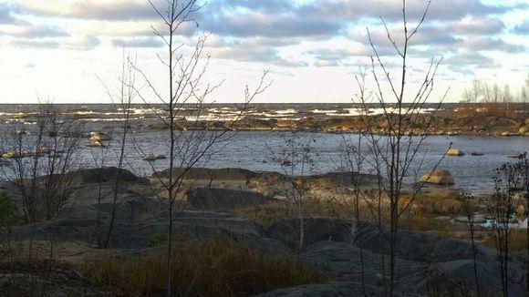 Merinäkymä Pyhäjoen Hanhikivenniemeltä Perämerelle syksyllä 2016.