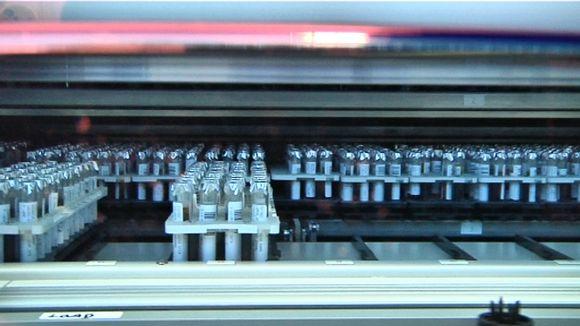 NordLabin automaattisessa kylmävarastossa säilytettävistä näytteistä voidaan vaivattomasti teettää myös uusia tutkimuksia.