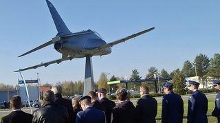 Hawk-muistomerkin paljastustilaisuutta vietettiin 1. lokakuuta 2014 Kauhavalla.