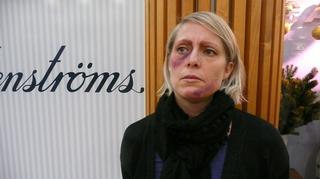 Väkivallan uhriksi maskeerattu nainen