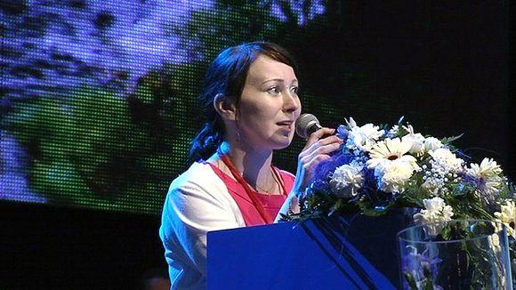 Hanna Mäntylä puhui puoluekokoukselle tultuaan valituksi toiseksi varapuheenjohtajaksi.