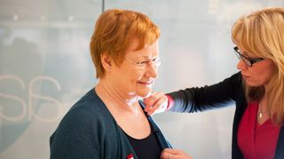 Kuvassa presidentti Tarja Halonen on Yleisradion vieraana vuonna 2012.