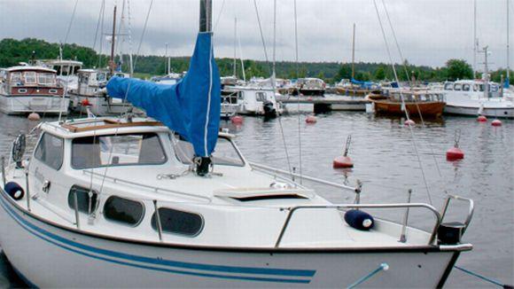 Veneitä Reposaaren laiturissa.