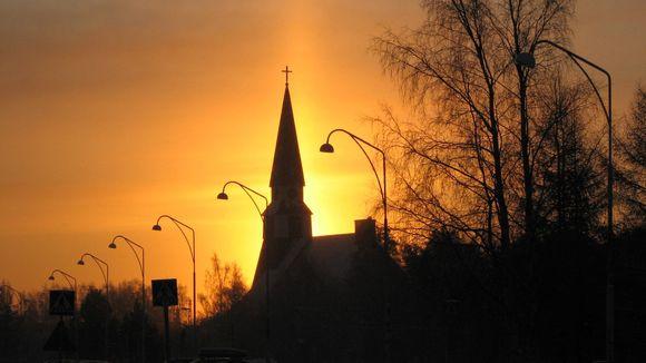 Rovaniemen kirkon silhuetti