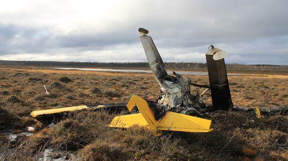 Ultrakevyt pienlentokone maahan pudonneena Utsjoella.