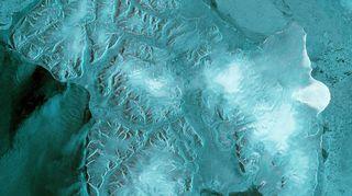 Sentinel 1B - satelliitin ensimmäiset kuvat Huippuvuorilta.
