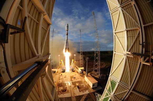 ESAn satellitti Sentinel-1B ammuttiin avaruuteen venäläisellä Sojuz-kantoraketilla Ranskan Guayanasta maanantaina 25.4.2016.