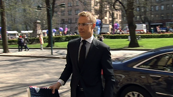 Ulkoministeri Alexander Stubb Pohjois-Esplanadilla Helsingissä.