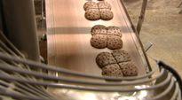 Ruisleipiä valmistuu leipomossa.