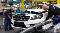 A-sarjan Mercedes Benz -auto valmistumassa.