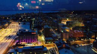 torni-hotelllin yläbaarista näkee kauas