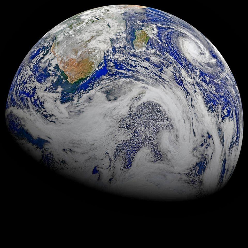 свежие снимки со спутника 2015