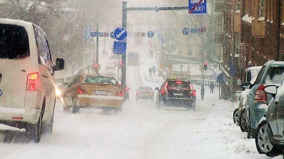 Liikennettä Turun Kaskenmäessä.