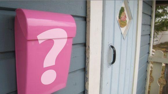 Postilaatikko, jonka päällä kysymysmerkki.