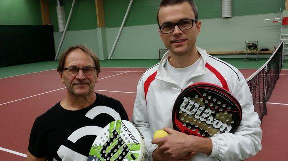 Seppo Wikström ja Janne Ojala testasivat Padel-mailoja.
