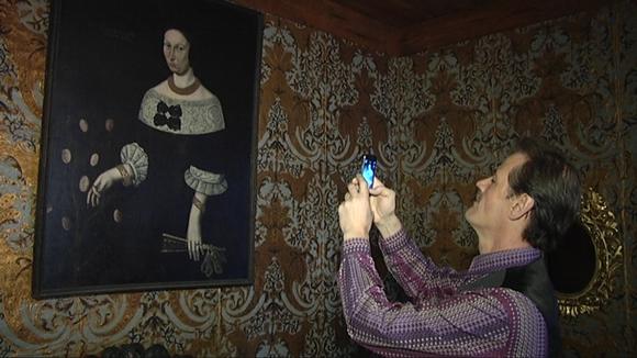 Naisen muotokuva Turun linnan barokkisalissa