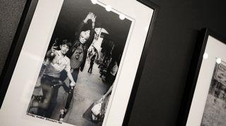 Justin Thomas (1983): Hanoi Rocksin Michael Monroe Jerusalemin vanhassa kaupungissa. Etualalla seisova poika hyppäsi kuvaan täysin yllättäen.
