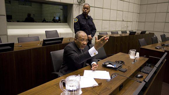 Liberian entinen presidentti Charles Taylor Haagin kansainvälisessä sotarikostuomioistuimessa helmikuussa 2011.