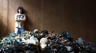 19-vuotias hollantilaismies Boyan Slat on keksinyt keinon, jolla valtamerestä voitaisiin siivota muovijätettä.