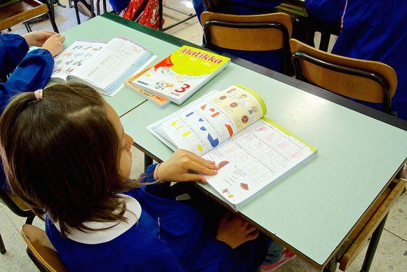 Luccan kaupungin kolmosluokkalaiset ovat opiskelleet matematiikkaa suomalaisoppikirjojen avulla.