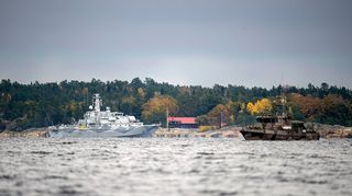 Ruotsin puolustusvoimat jatkoi etsintöjä tiistaina.