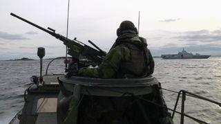 Etsinnät jatkuivat Tukholman saaristossa tiistaina.