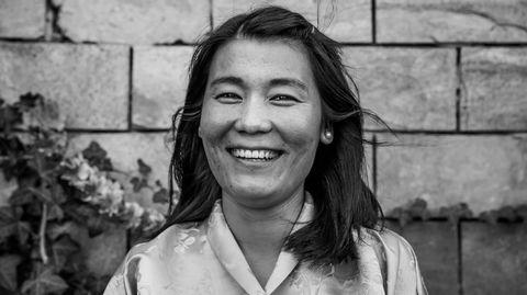 Denchen Wangmo Bhutanin yleisradioyhtiön BBS:n uutistenlukija
