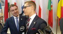 Viron ja Suomen pääministerit Taavi Rõivas ja Alexander Stubb saapuivat EU-huippukokoukseen alkuillasta torstaina.