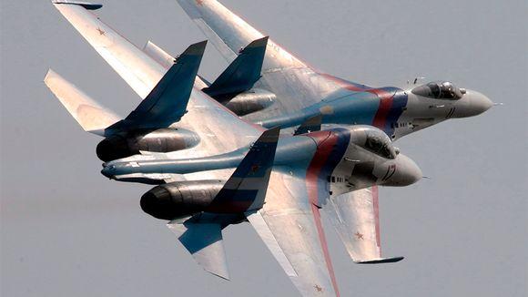 Su-27 hävittäjälentokoneita.