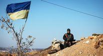 Ukrainalainen sotilas vartiossa Kramatorskissa lähellä Slavianskia.