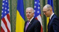 Joe Biden ja Arseni Jatsenjuk Kiovassa, Ukrainassa perjantaina 21. marraskuuta.