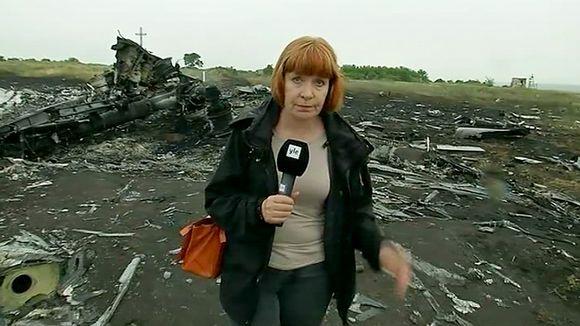 Video: Yle Uutisten kirjeenvaihtaja Marja Manninen heinäkuussa malesialaiskoneen turmapaikalla Ukrainassa.