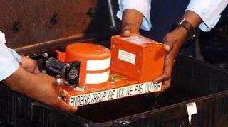 Ohjaamokeskustelut tallentanut laite nostettiin merestä.