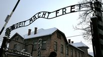 Auschwitz-Birkenaun keskitysleirin pääportti.