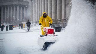 New york lumimyrskyn kourissa.