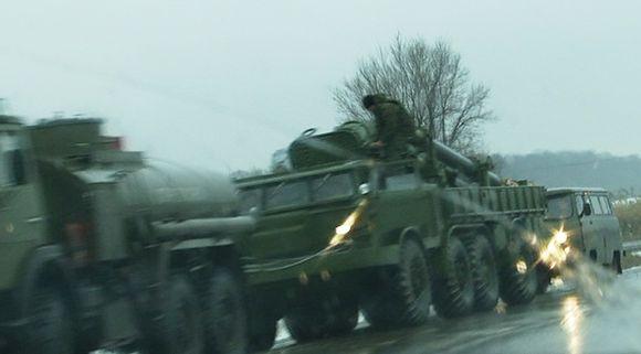 Video: Venäläinen sotilassaattue.