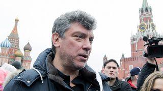 Boris Nemtsov mielenosoituksessa huhtikuussa 2012.