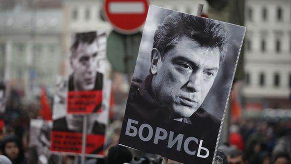 Marssijat muistivat murhattua oppositiojohtaja Boris Nemtsovia 1. maaliskuuta Moskovassa.